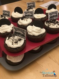 Out of hand, ridiculously delicious Oreo cupcakes!